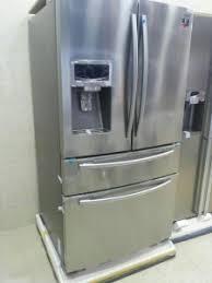نمایندگی تعمیرات انواع یخچال و فریزر و ماشین لباسشویی و ظرفشویی ،کولر گازی ماکروویو و پکیج لوفرا در سراسر تهران با کمترین هزینه